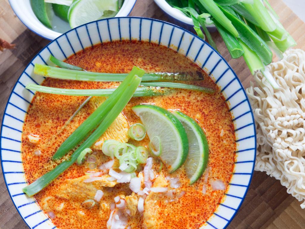 Opskrift på Hjemmelavet Chiang Mai Curry Noodles (Kao Soi)