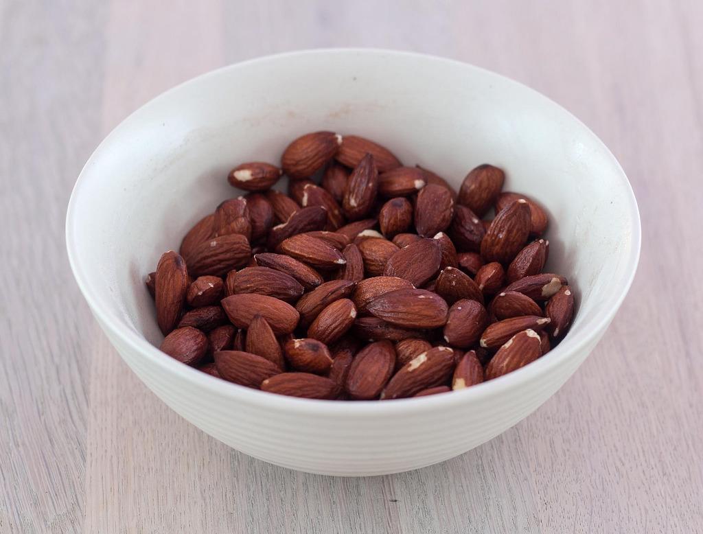 Opskrift på Saltede mandler (hjemmelavede)