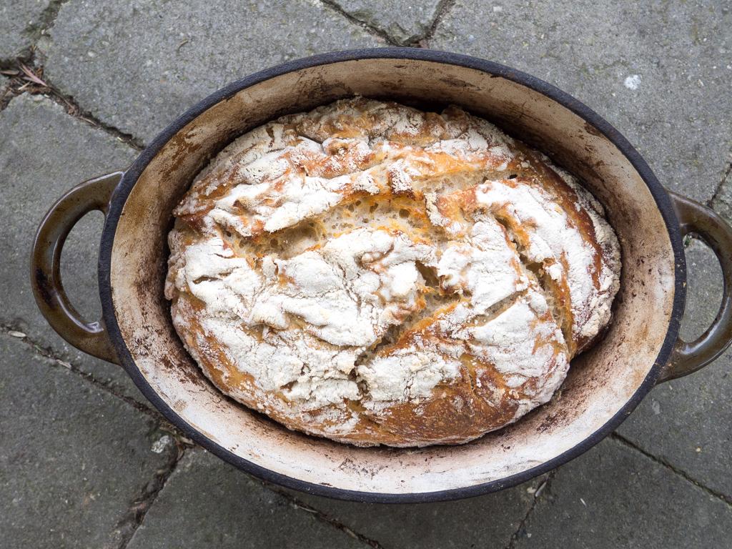 brød på i gryde