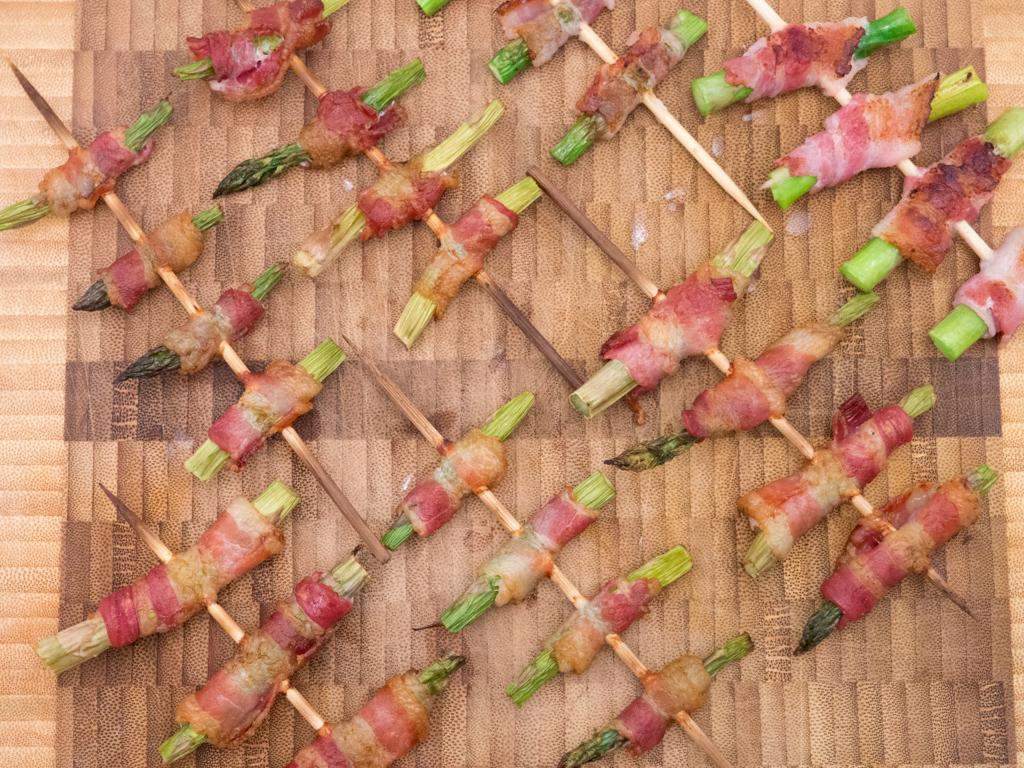 Opskrift på Grønne asparges med bacon