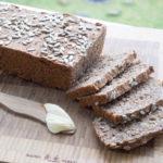 Opskrift på hjemmelavet rugbrød uden surdej