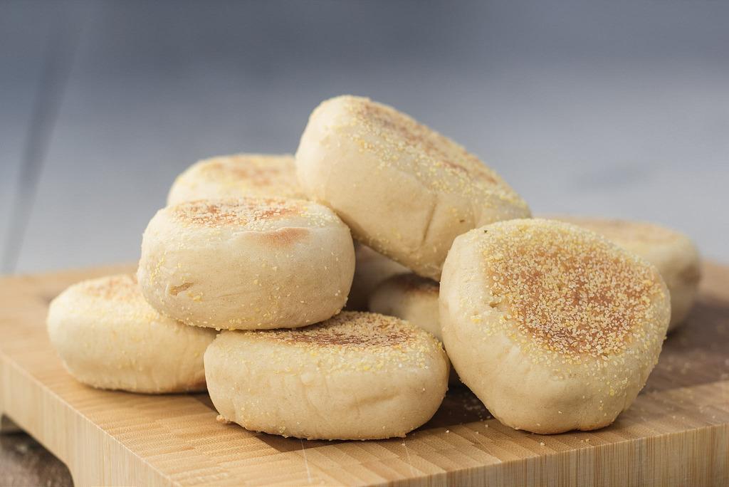 Opskrift på Hjemmelavede Engelske Muffins
