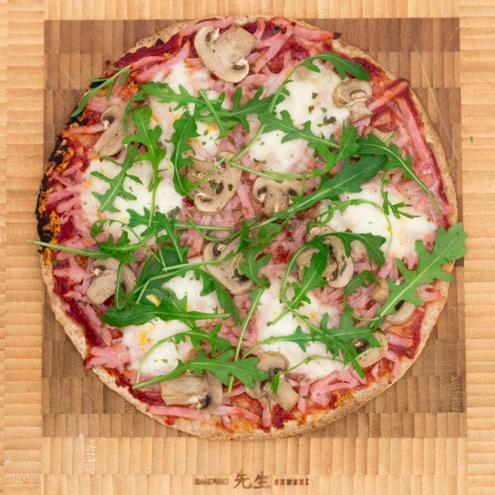 Opskrift på sund pizza på tortilla