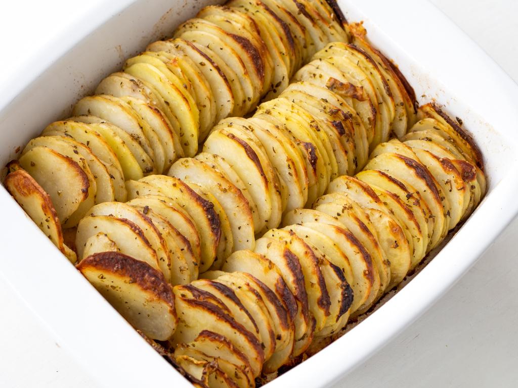 Opskrift på bagte kartoffelskiver med oregano og parmesan