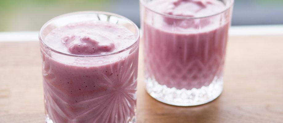 Nem jordbærmilkshake (4 ingredienser på 4 minutter)