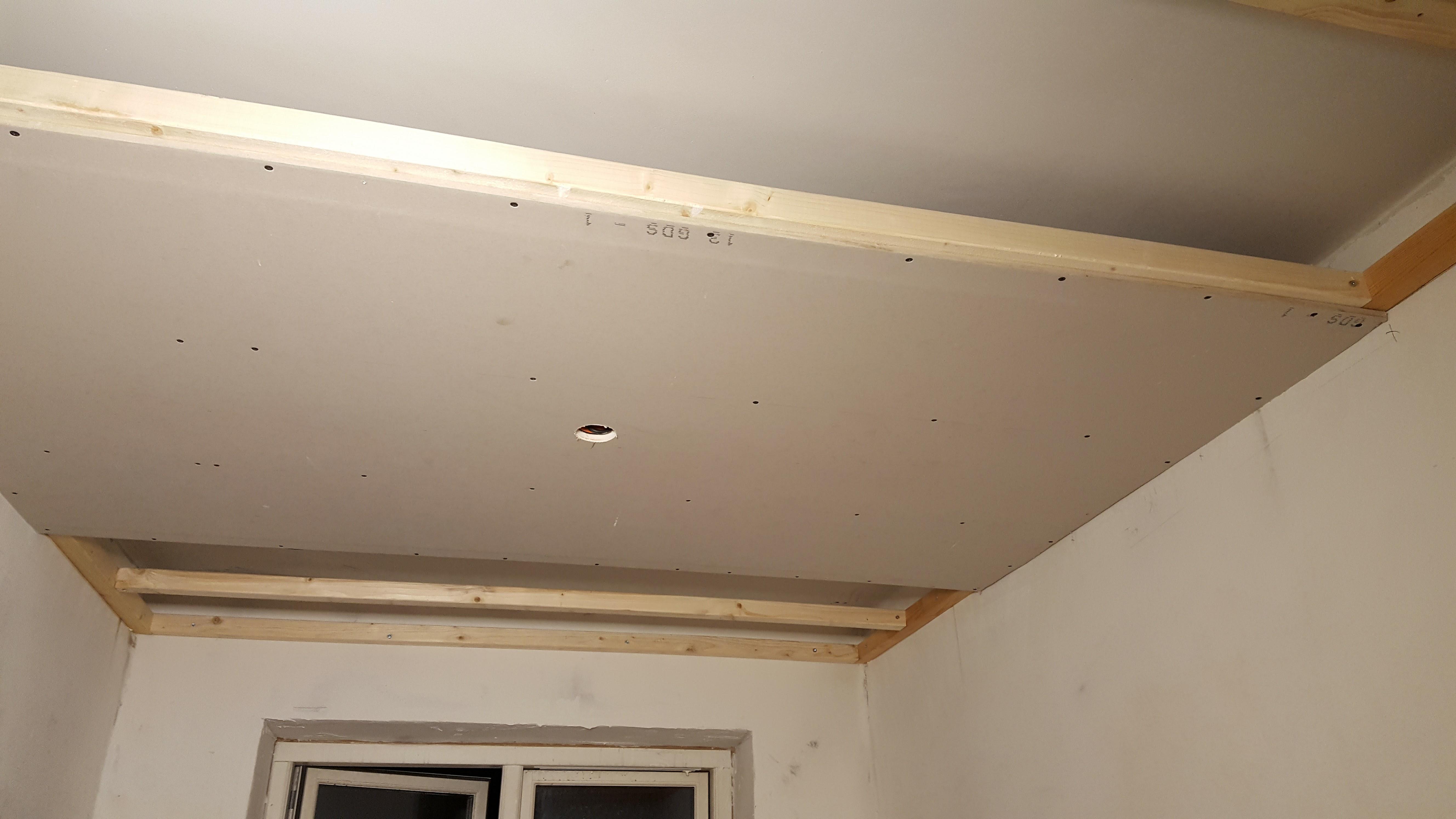Sådan laves et nedsænket loft med LED spots