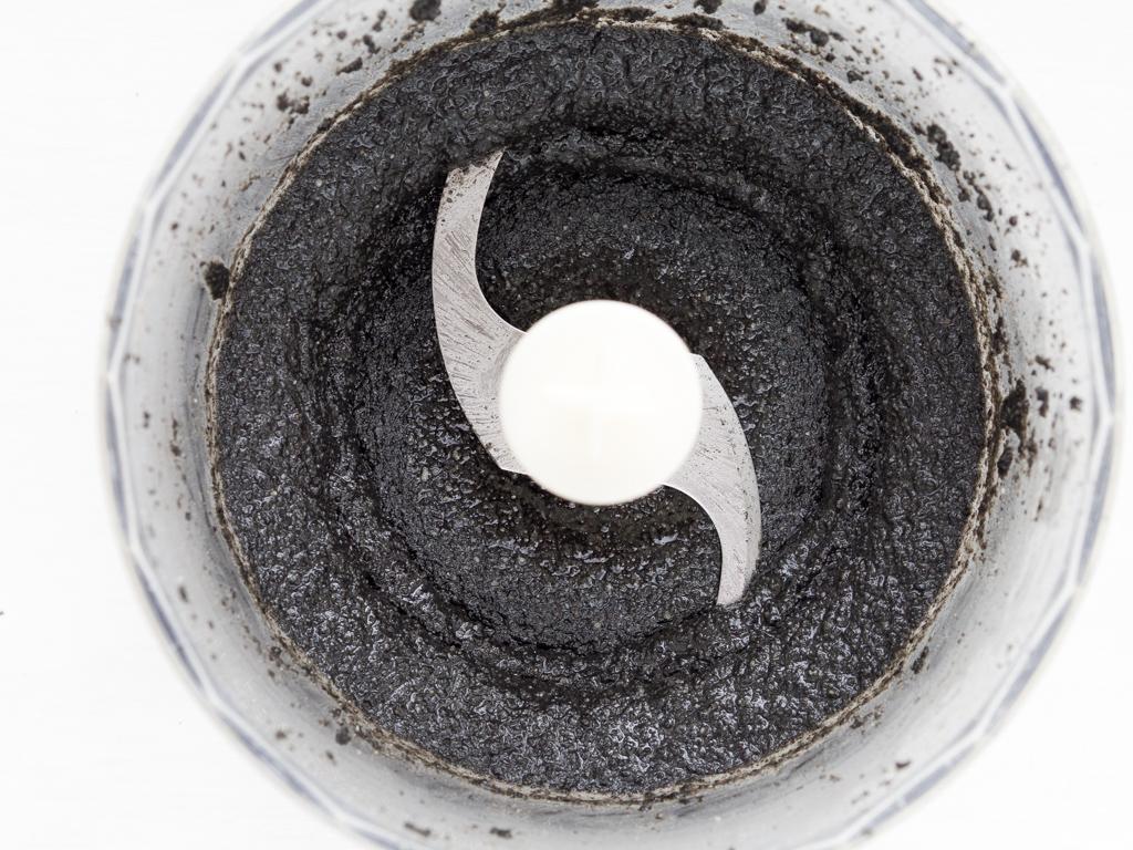 Opskrift på hjemmelavet sort hummus