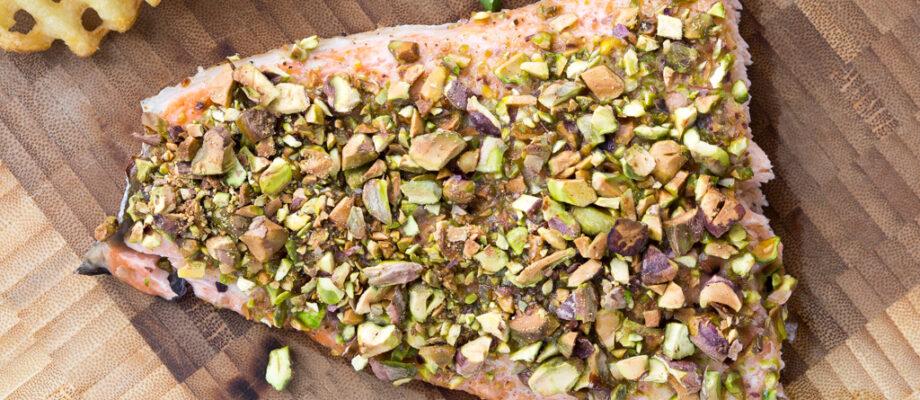 Ovnbagt laks med honning og pistacienødder