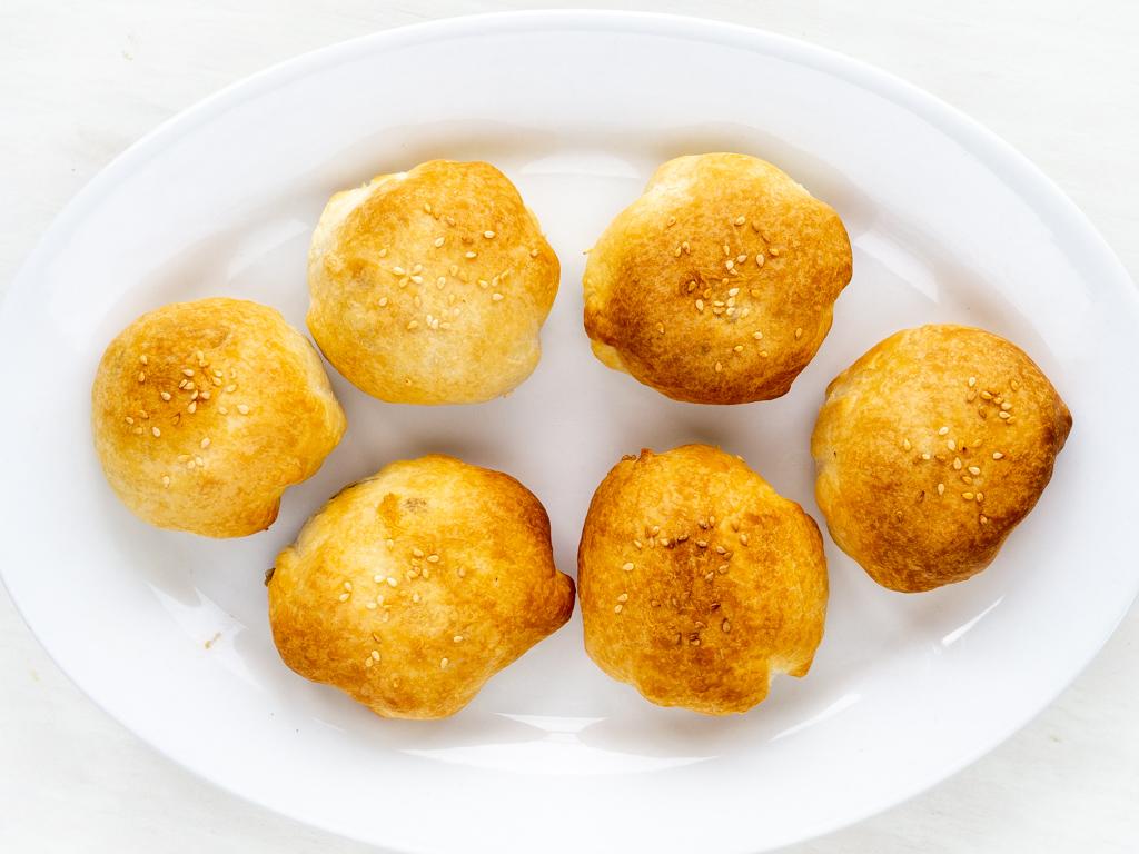 Opskrift på Veganske butterdejspakker med svampefyld